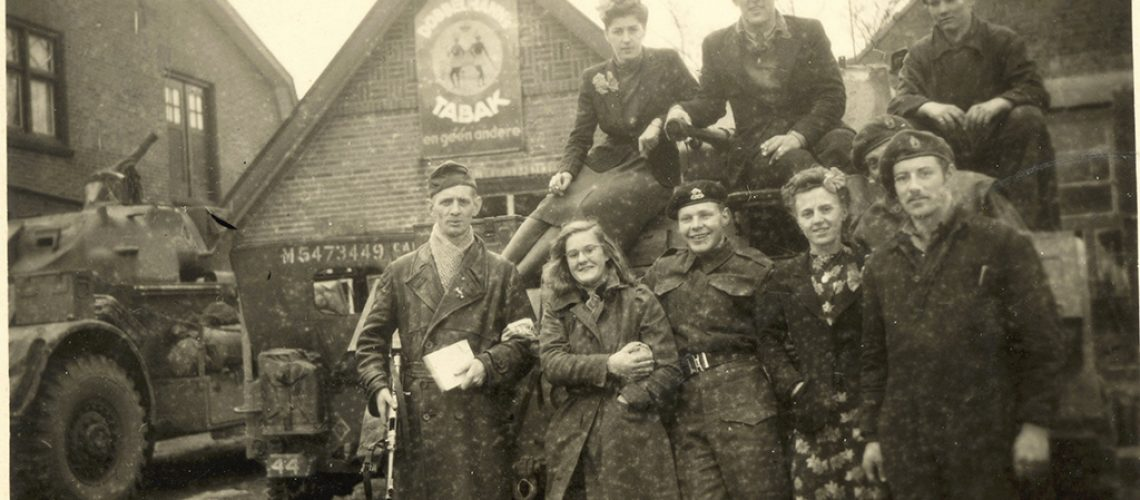 Headquarters van de XII Manitoba Dragoons bevonden zich naast Klinkhamer Mode in Westerhaar-Vriezenveensewijk